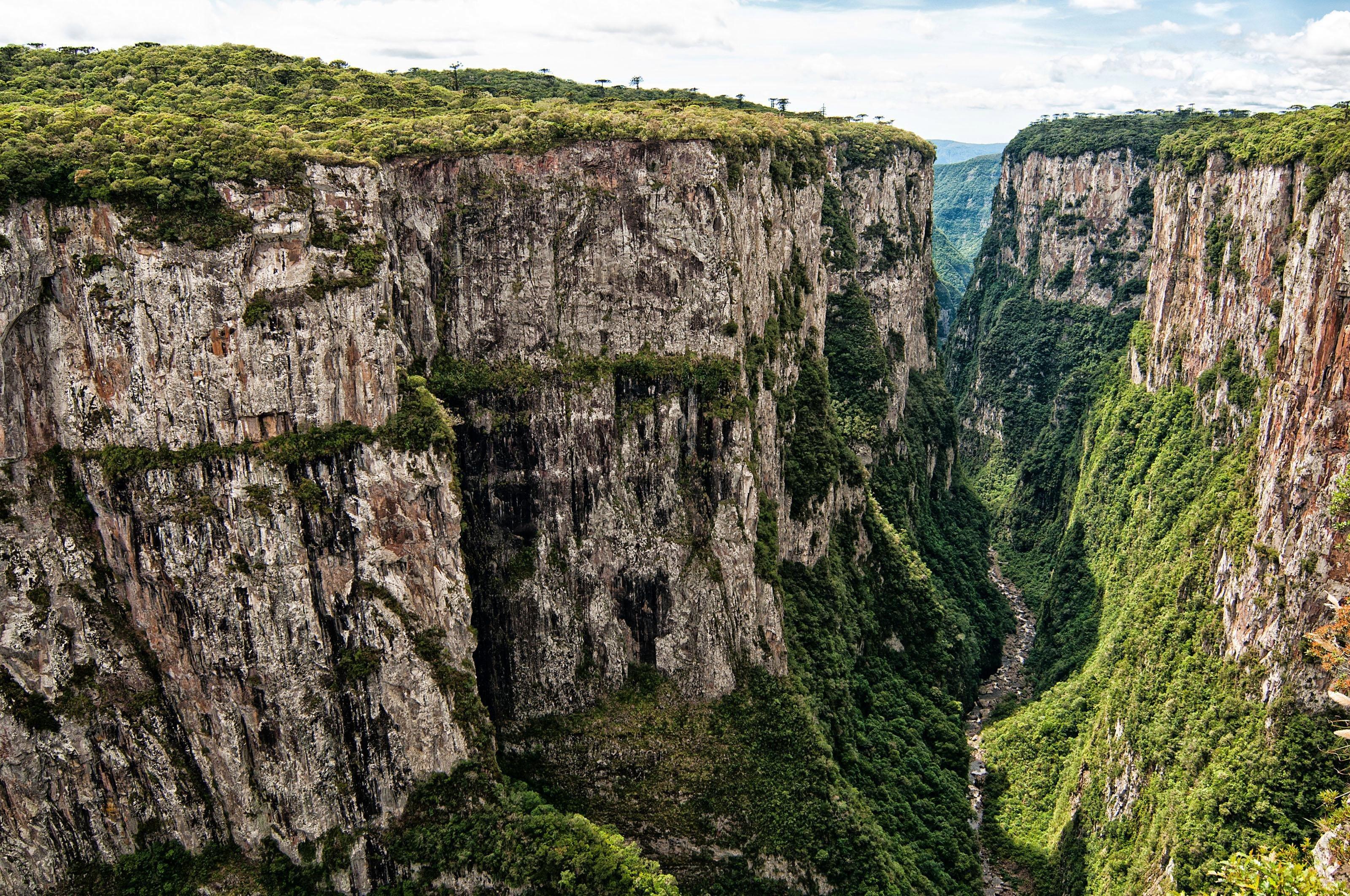 Brazil, South, RS, Rio Grande do Sul, Cambara, Canyon Itaimbezinho, View of canyon