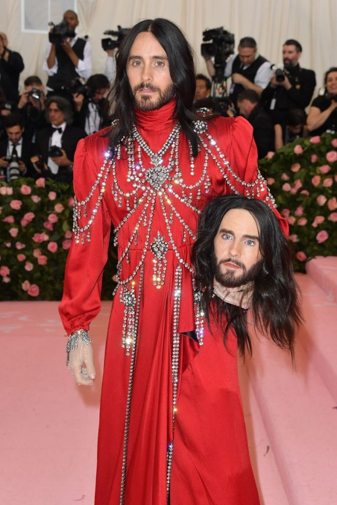 Jared leto wore a red gucci gown at MET gala 2019