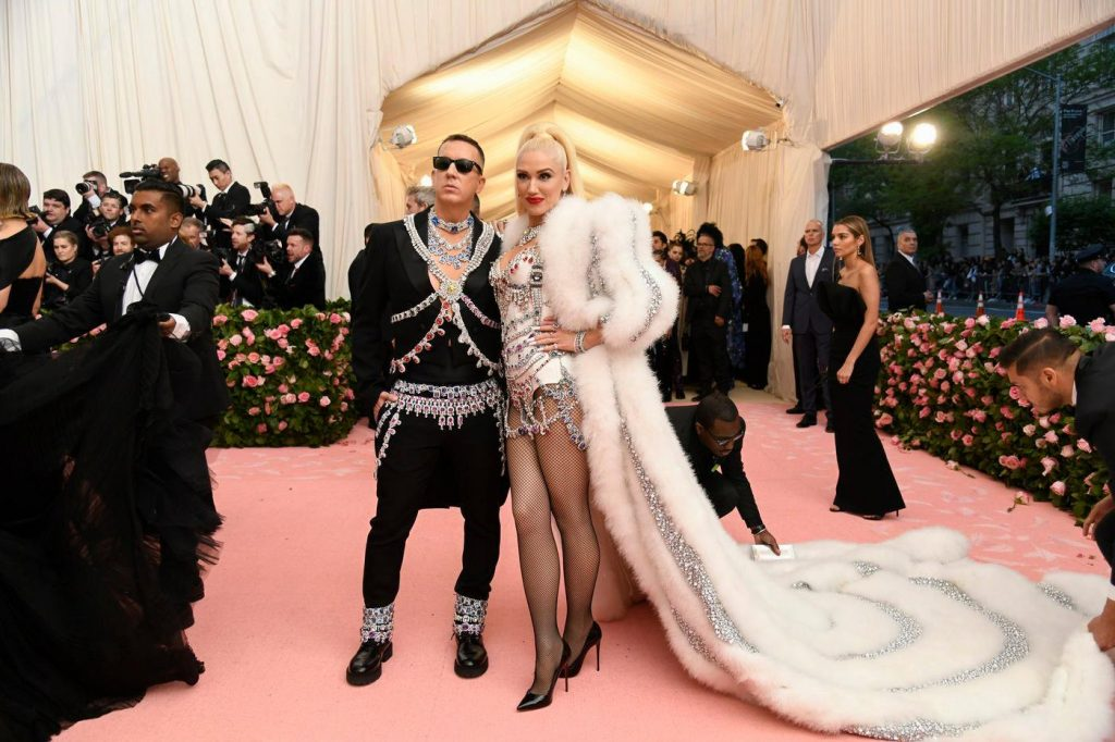 Jeremy Scott and Gwen Stefani, wearing Moschino