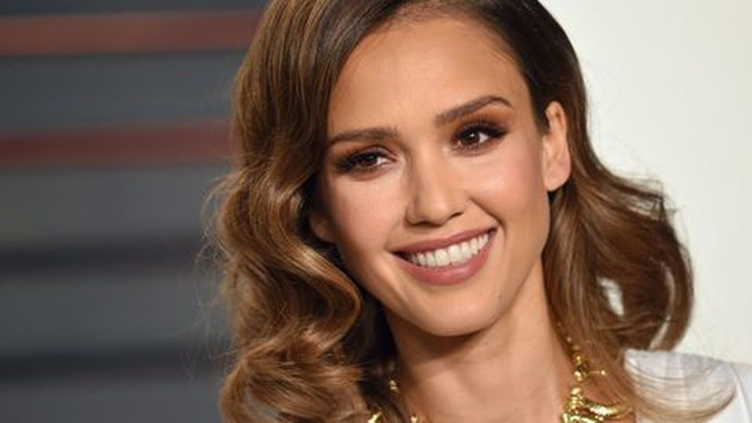 Jessica Alba racist tweets as a result of hacked account