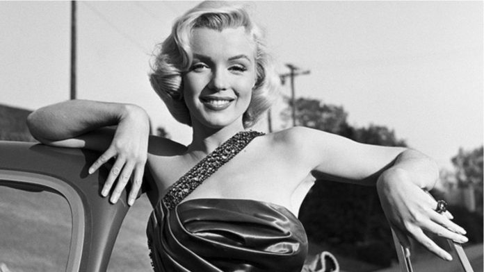 Marilyn Monroe was photographed nude on the autopsy table